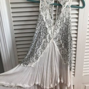Free People Tops - FREE PEOPLE TELL TALE HEART WHITE LACE TUNIC